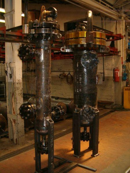 Serbatoi ad alta pressione, con elementi spessorati e attacchi flangiati